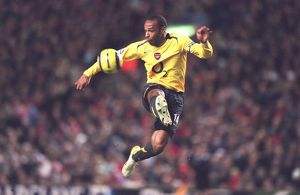 Thierry Henry (Arsenal). Liverpool 1:0 Arsenal. FA Premiership