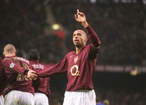 Thierry Henry celebrates scoring Arsenal's 1st goal. Arsenal 7:0 Middlesbrough