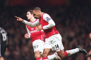Thierry Henry celebrates scoring Arsenal's 1st goal a penalty