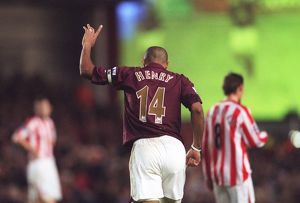 Thierry Henry celebrates scoring Arsenal's 3rd goal his 2nd
