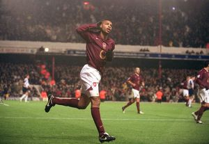Thierry Henry celebrates scoring Arsenal's 4th goal from the penalty spot