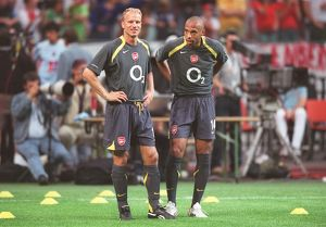 Thierry Henry and Dennis Bergkamp (Arsenal). Ajax 0:1 Arsenal