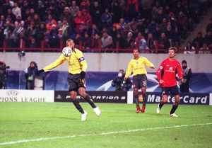 Thierry Henry shoots past CSKA Moscow goalkeeper Igor Akinfeev only to have his goal is rued out for handball. CSKA Moscow 1:0 Arsenal, UEFA Champions League, Lokomotiv, Moscow, Russia, 17/10/2006. Credit: Stuart MacFarlane / Arsenal