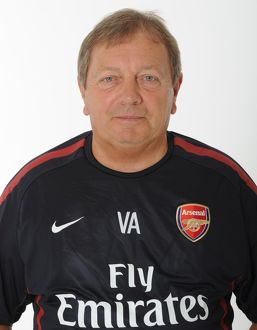 Vic Akers (Arsenal Kit Man). Arsenal 1st Team Photocall and Membersday