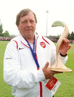 vic akers the arsenal manager with the european