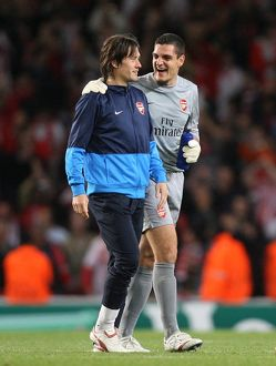 Vito Mannone and Tomas Rosicky (Arsenal) celebrate after the match