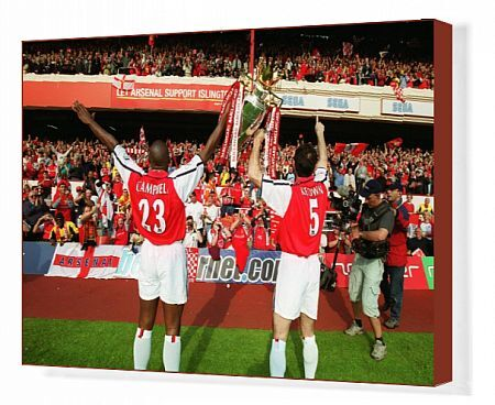 sol campbell and martin keown arsenal lift the f