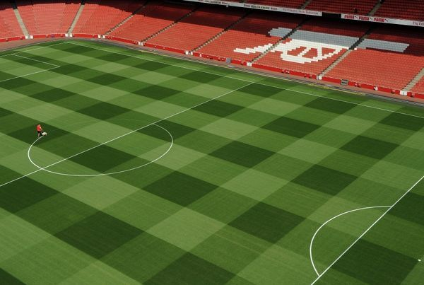 1st marking new pitch emirates stadium 29 7 14