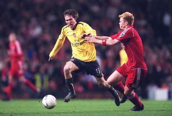 Alex Hleb (Arsenal) John Arne Riise (Liverpool) Liverpool 1:3 Arsenal, The FA Cup 3rd Round, Anfield, Liverpool, 6/1/2007. Credit: Stuart MacFarlane / Arsenal Football Club Alex Hleb (Arsenal) John Arne Riise (Liverpool) Liverpool 1:3 Arsenal