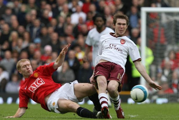 Alex Hleb (Arsenal) Paul Scholes (Manchester United)