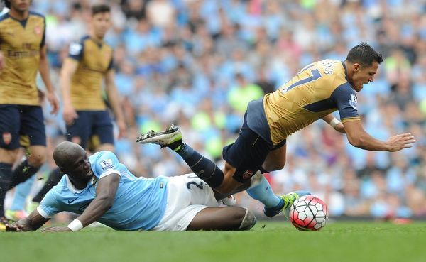 alexis sanchez arsenal eliaquim mangala man city