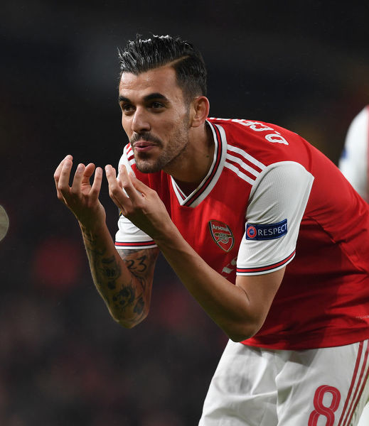 LONDON, ENGLAND - OCTOBER 03: Dani Ceballos celebrate scoring the 4th Arsenal goal during the UEFA Europa League group F match between Arsenal FC and Standard Liege at Emirates Stadium on October 03, 2019 in London, United Kingdom