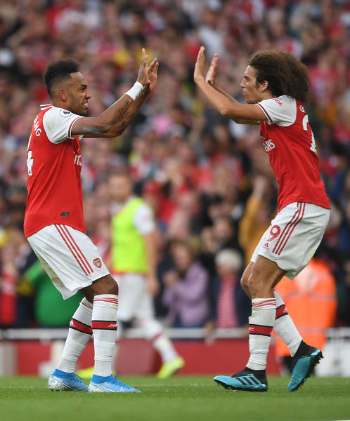 LONDON, ENGLAND - SEPTEMBER 01: Pierre-Emerick Aubameyang celebrates scoring Arsenal's 2nd goal with Matteo Guendouzi during the Premier League match between Arsenal FC and Tottenham Hotspur at Emirates Stadium on September 01, 2019 in London, United Kingdom