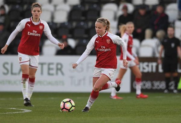 BOREHAMWOOD, ENGLAND - NOVEMBER 12: Beth Mead of Arsenal during the WSL match between Arsenal Women and Sunderland on November 12, 2017 in Borehamwood, United Kingdom
