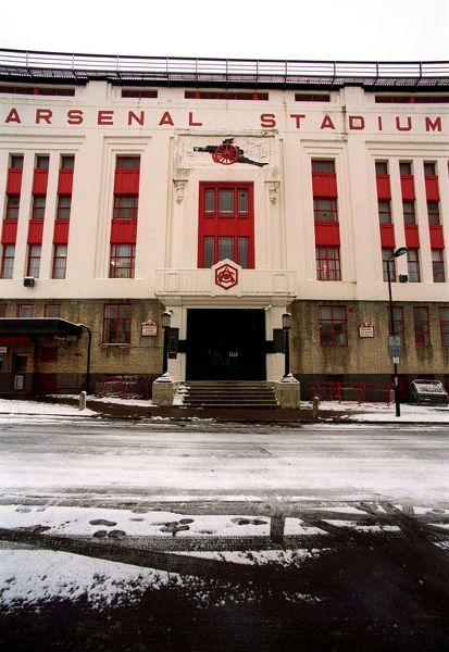 arsenal stadium in the snow highbury london