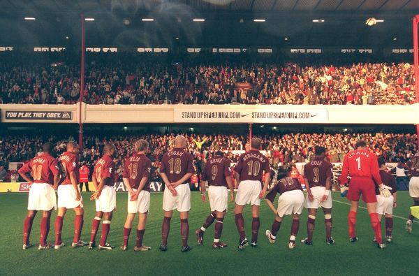 the arsenal team line up in fron of the east stand