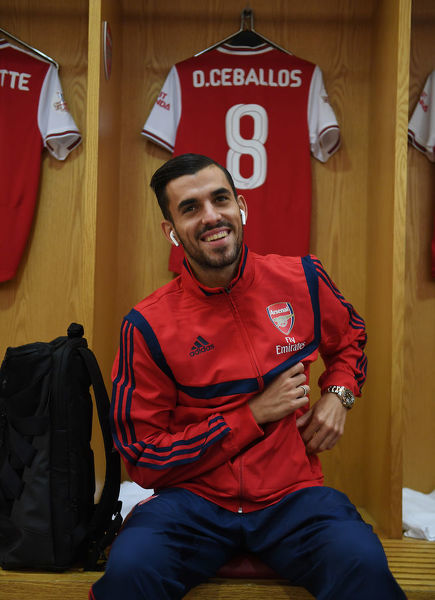 LONDON, ENGLAND - JULY 28: Dani Ceballos in the Arsenal changing room before the Emirates Cup match between Arsenal and Olympic Lyonnais at Emirates Stadium on July 28, 2019 in London, England