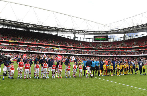 LONDON, ENGLAND - JULY 28: The Arsenal and Lyon teams line up before the Emirates Cup match between Arsenal and Olympic Lyonnais at Emirates Stadium on July 28, 2019 in London, England. (Photo by Stuart MacFarlane/Arsenal FC via Getty Images)