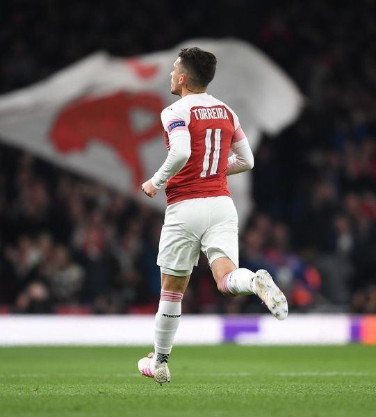 LONDON, ENGLAND - APRIL 11: Lucas Torreira celebrates scoring the 2nd Arsenal goal during the UEFA Europa League Quarter Final First Leg match between Arsenal and S