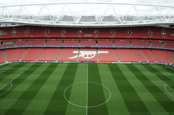 LONDON, ENGLAND - AUGUST 16: Emirates Stadium before the UEFA Champions League Play-Off First Leg match between Arsenal and Udinese at Emirates Stadium on August 16, 2011 in London, United Kingdom
