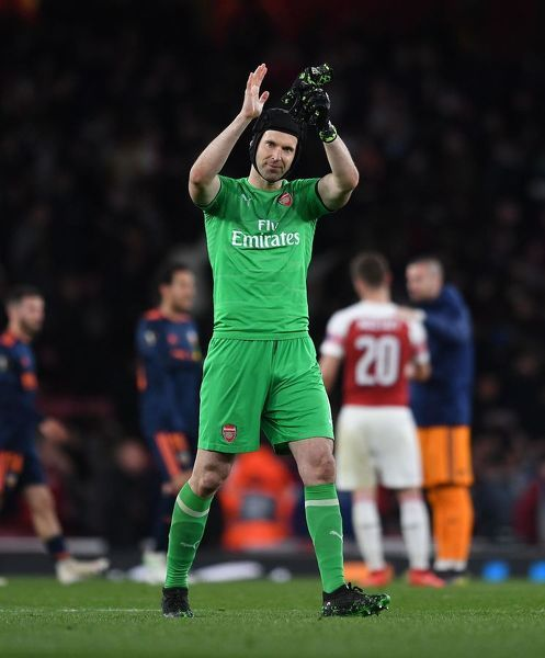 LONDON, ENGLAND - MAY 02: Petr Cech of Arsenal claps the fans after the UEFA Europa League Semi Final First Leg match between Arsenal and Valencia at Emirates Stadium on May 2, 2019 in London, England