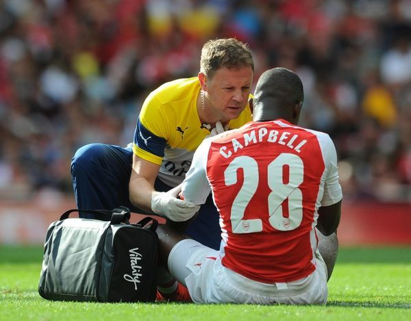 colin lewin arsenal physio treats joel campbell arsenal