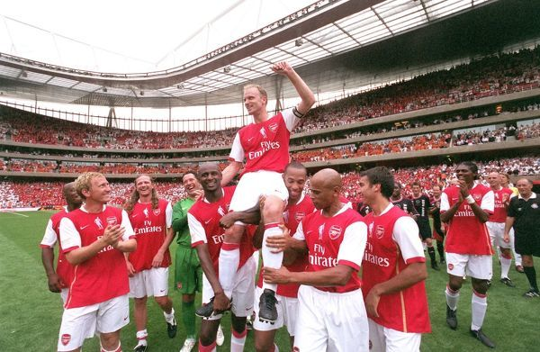 dennis bergkamp is chaired by patrick vieira