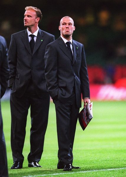 dennis bergkamp and freddie ljungberg before the match