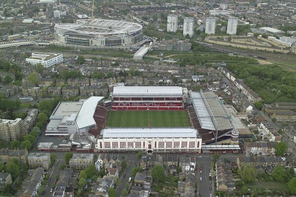 emirates stadium and arsenal stadium