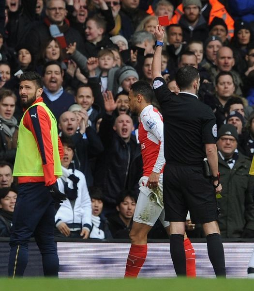 francis coquelin arsenal shown red card