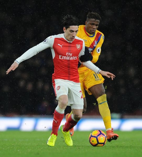 Hector Bellerin (Arsenal) Wilfred Zaha (Palace)