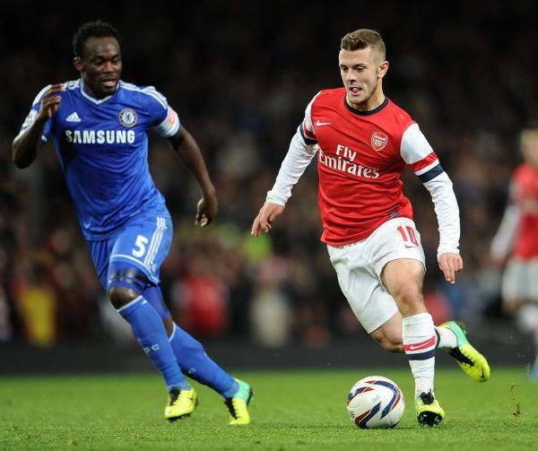 Jack Wilshere (Arsenal) Michael Essien (Chelsea). Arsenal 0:2 Chelsea. Capital One Cup 4th Round