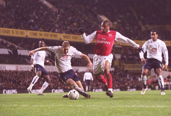 Julio Baptista scores Arsenal's 1st goal under pressure from Michael Dawson