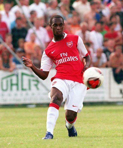 Justin Hoyte (Arsenal). Schwadorf 1:8 Arsenal. Pre Season Friendly. Sportzentrum, Schwadorf, Austria, 31/7/06. Credit: Arsenal Football Club / Stuart MacFarlane