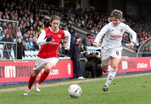 Karen Carney (Arsenal) Sue Smith (Leeds)