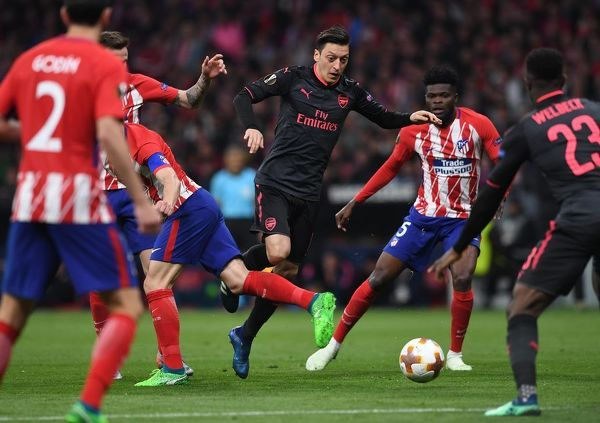 mesut ozil arsenal atletico madrid 10 arsenal