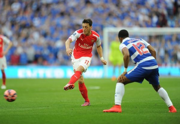 mesut ozil arsenal gareth mccleary reading