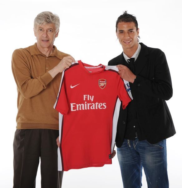 super popular d4917 ec263 A1 (84x59cm) Poster of New Arsenal signing Marouane Chamakh with manager  Arsene Wenger. Arsenal Training Ground