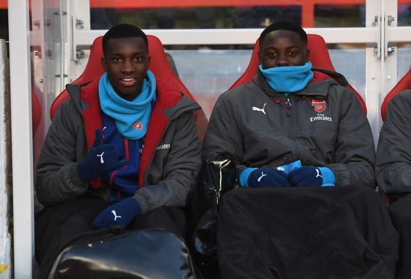 NOTTINGHAM, ENGLAND - JANUARY 07: Arsenal substitutes Eddie Nketiah and Josh Dasilva on the bench before the FA Cup 3rd Round match between Nottingham Forest and Arsenal at City Ground on January 7, 2018 in Nottingham, England