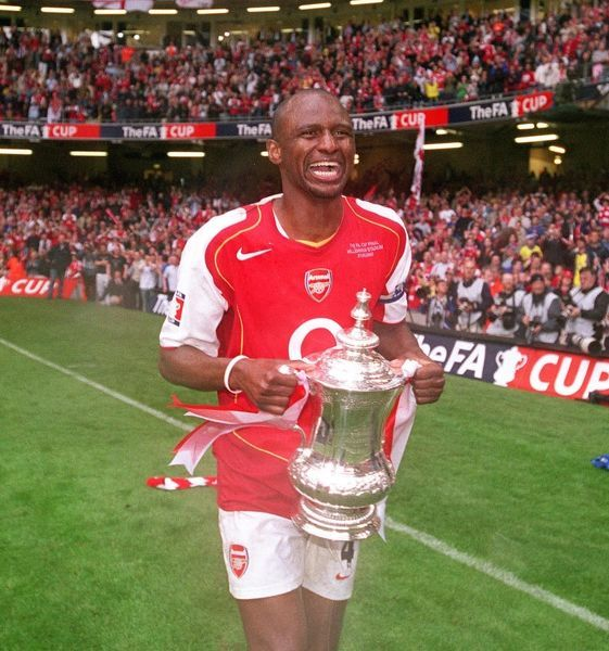 patrick vieira arsenal with the fa cup trophy