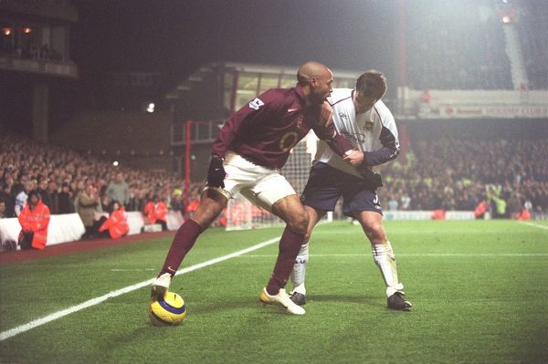 Thierry Henry (Arsenal) Clive Clarke (West Ham). Arsenal 2:3 West ham United
