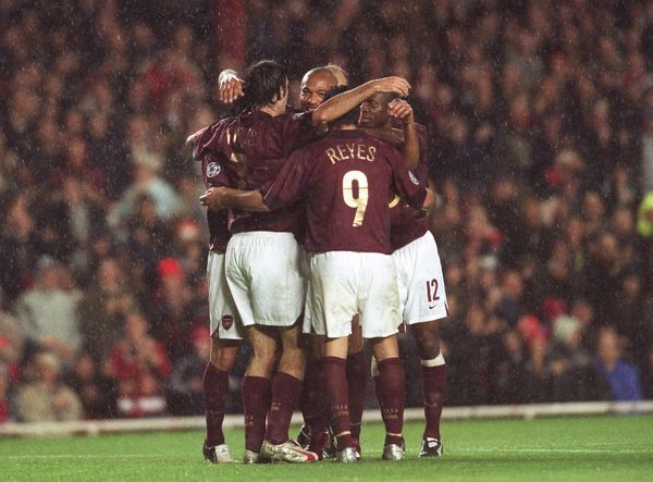 Thierry Henry celebrates scoring Arsenal's 1st goal with Robert Pires