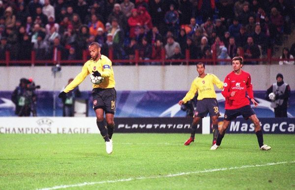 thierry henry shoots past cska moscow goalkeeper