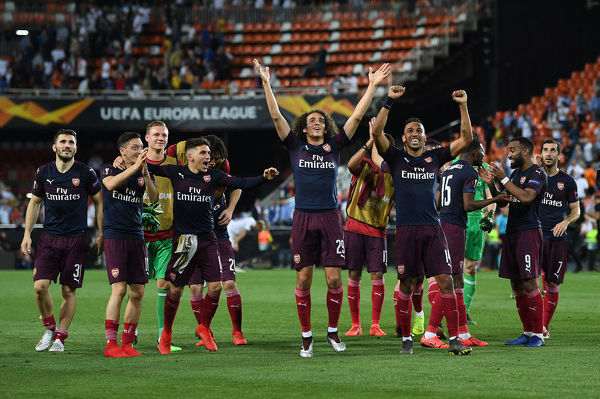 VALENCIA, SPAIN - MAY 09: The Arsenal players celebrate after the UEFA Europa League Semi Final Second Leg match between Valencia and Arsenal at Estadio Mestalla on May 9, 2019 in Valencia, Spain. (Photo by David Price/Arsenal FC via Getty Images)