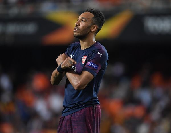 VALENCIA, SPAIN - MAY 09: Pierre-Emerick Aubameyang celebrates scoring the 4th Arsenal goal during the UEFA Europa League Semi Final Second Leg match between Valencia and Arsenal at Estadio Mestalla on May 09, 2019 in Valencia, Spain