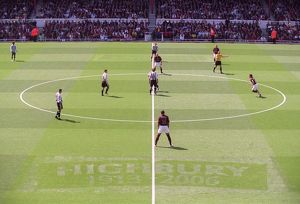 The 1913 - 2006 pitch marckings. Arsenal 2:0 Newcastle United