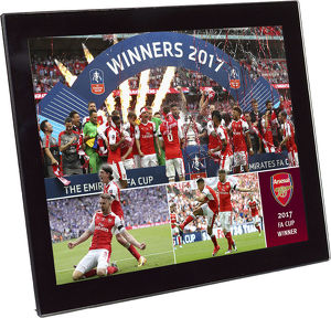 special editions/2017 fa cup winners glass desktop frame