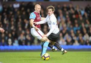 previous season matches/matches 2009 10 aston villa v arsenal 2009 10/aaron ramsey arsenal james collins villa