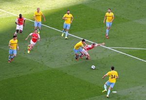 season 2014 15/arsenal v crystal palace 2014 15/aaron ramsey arsenal scott dann palace