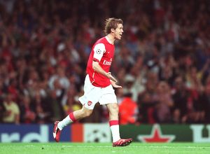 previous season matches/matches 2006 07 arsenal v fc porto/alex hleb celebrates scoring arsenals 2nd goal